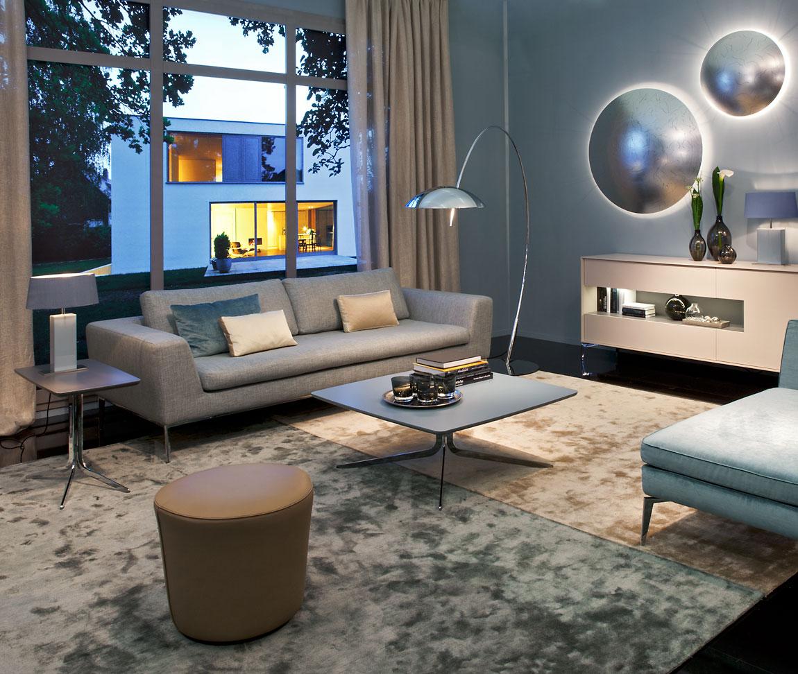 wohnzimmer schr nke und vitrinen 2017 08 02 04 47 44. Black Bedroom Furniture Sets. Home Design Ideas